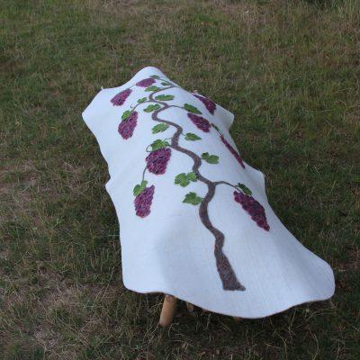 Baarkleed met druivenrank, linkerzijde