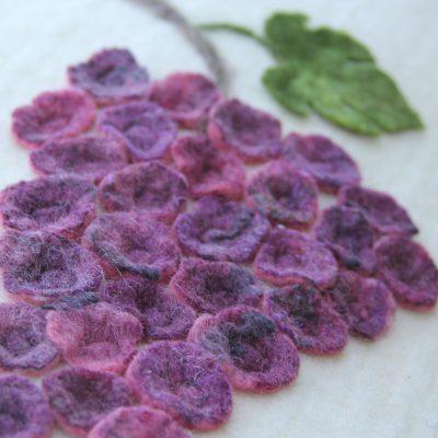 Baarkleed met druivenrank, detailfoto