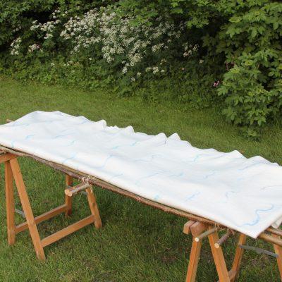 Lijkwade met blauwe zijde (verkocht)
