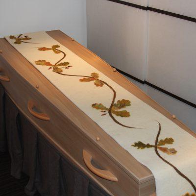 Kistloper met eikenblad, 0,35 x 3 m.  € 415,- (incl. btw., excl. verzendkosten)