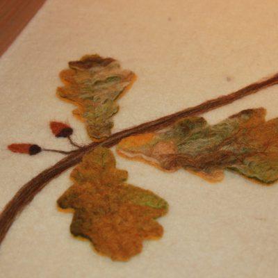 Kistloper met eikenblad, detailfoto 2