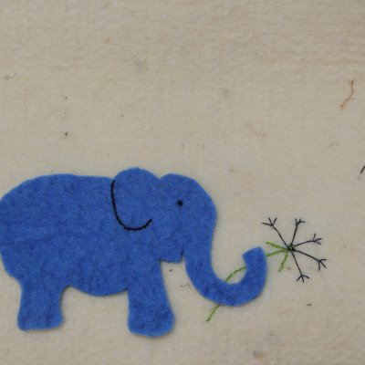 Cocon met olifant, detailfoto